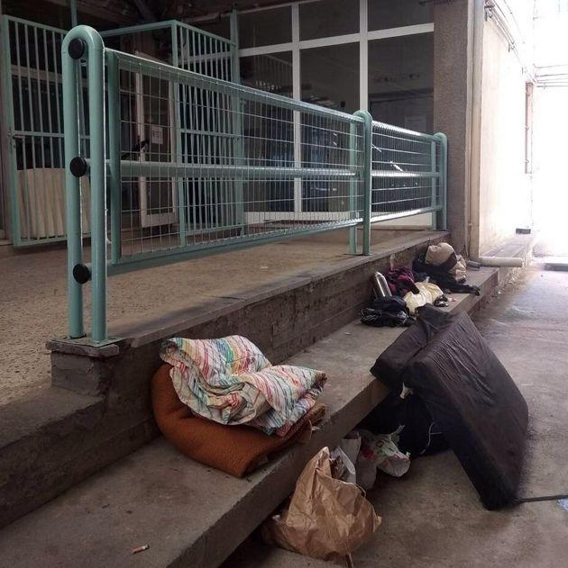Άστεγοι κοιμούνται στο ΑΧΕΠΑ - Παρέμβαση εισαγγελέα ζητά η διοίκηση του