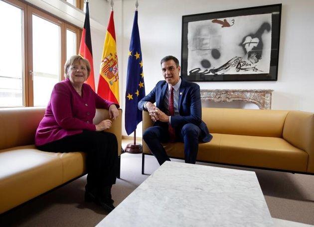 Sánchez pide junto a líderes liberales y socialistas un nuevo equilibrio en la