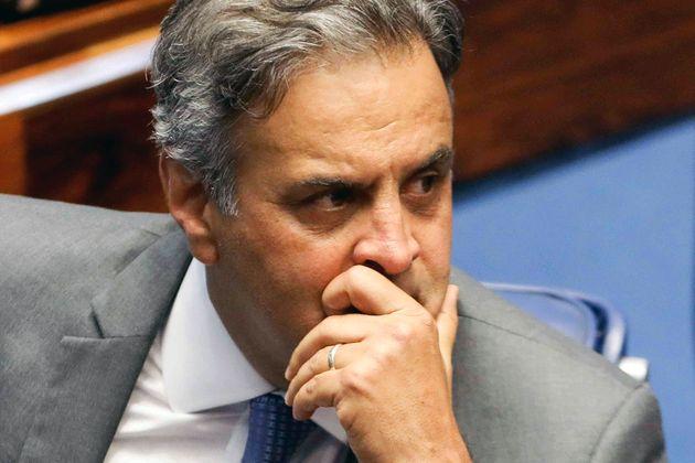 Justiça determina bloqueio de R$ 128 milhões de Aécio