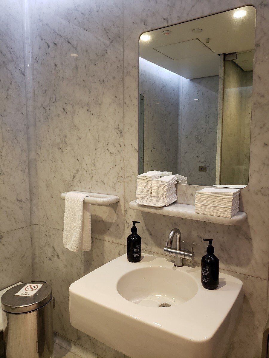 浴室的洗手台