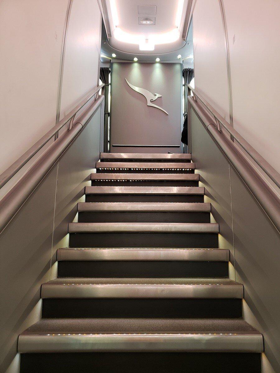 通往上層的樓梯