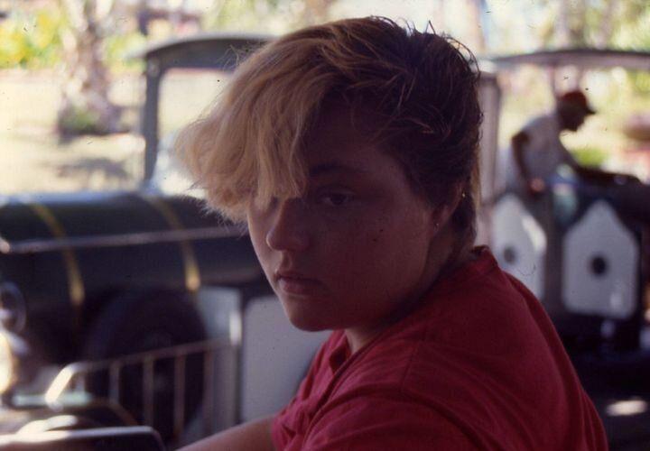 대략 1987년, 내가 퀴어라는 사실과 헤어 컨디셔너의 존재를 몰랐던 어린 시절.