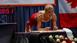Elle explose le record du monde féminin de gainage en tenant