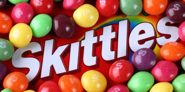 Skittles prépare une publicité pour le Super Bowl... mais vous ne la verrez