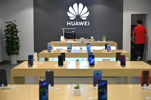 Même en pleine crise de confiance, Huawei reste cher au cœur des