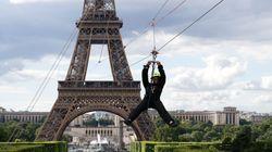 Se nei prossimi giorni siete a Parigi, potete volare dalla Torre