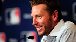 Former Blue Jays Star Pitcher Roy Halladay Dies In Plane
