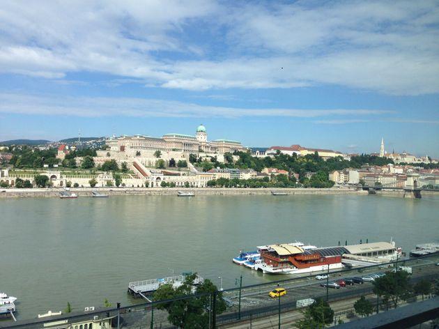 ハンガリーの首都・ブダペストのドナウ川