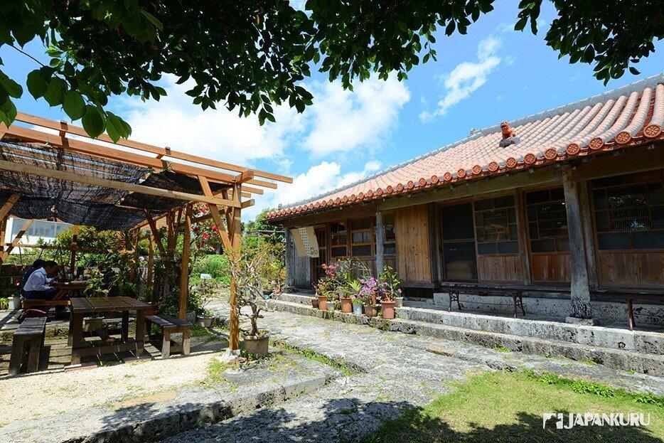 懷舊的沖繩鄉村農家建築