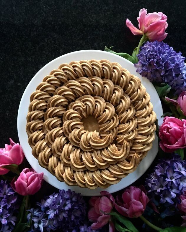 Inutile d'acheter des ustensiles sophistiqués pour décorer un beau gâteau....