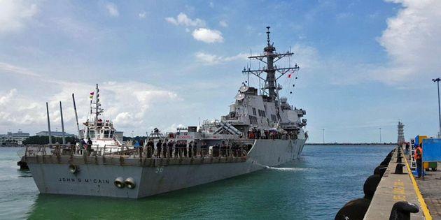 Le nom de l'USS John McCain dissimulé pour ne pas froisser