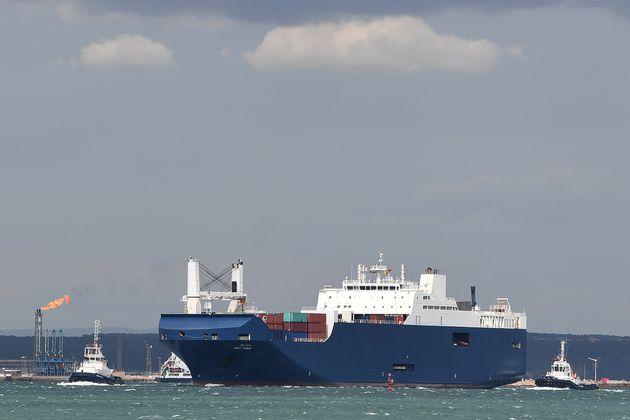 À Marseille, des dockers refusent de charger des armes françaises pour l'Arabie