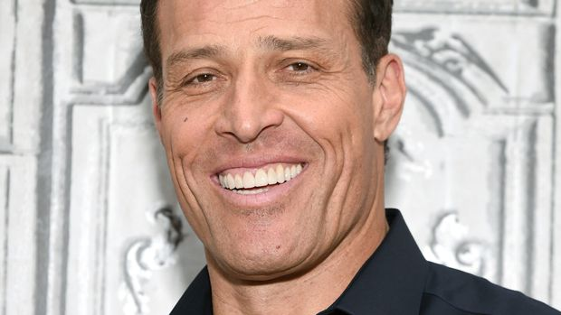 """Life and business strategist Tony Robbins participates in AOL's BUILD Speaker Series to discuss the documentary, """"I Am Not Your Guru"""", at AOL Studios on Monday, July 11, 2016, in New York. (Photo by Evan Agostini/Invision/AP)"""