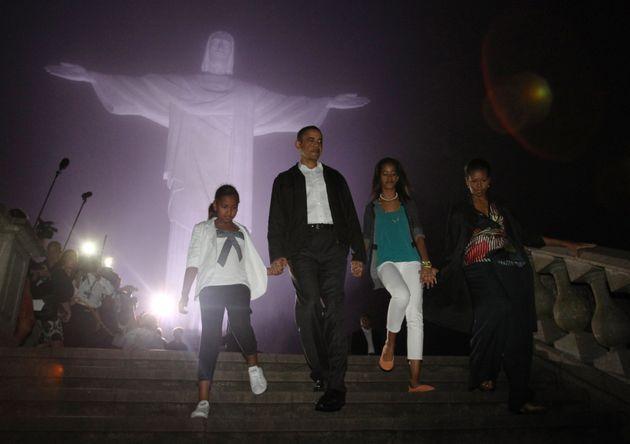 Obama, com a esposa, Michelle, e as filhas Sasha e Malia durante visita ao Rio de Janeiro em