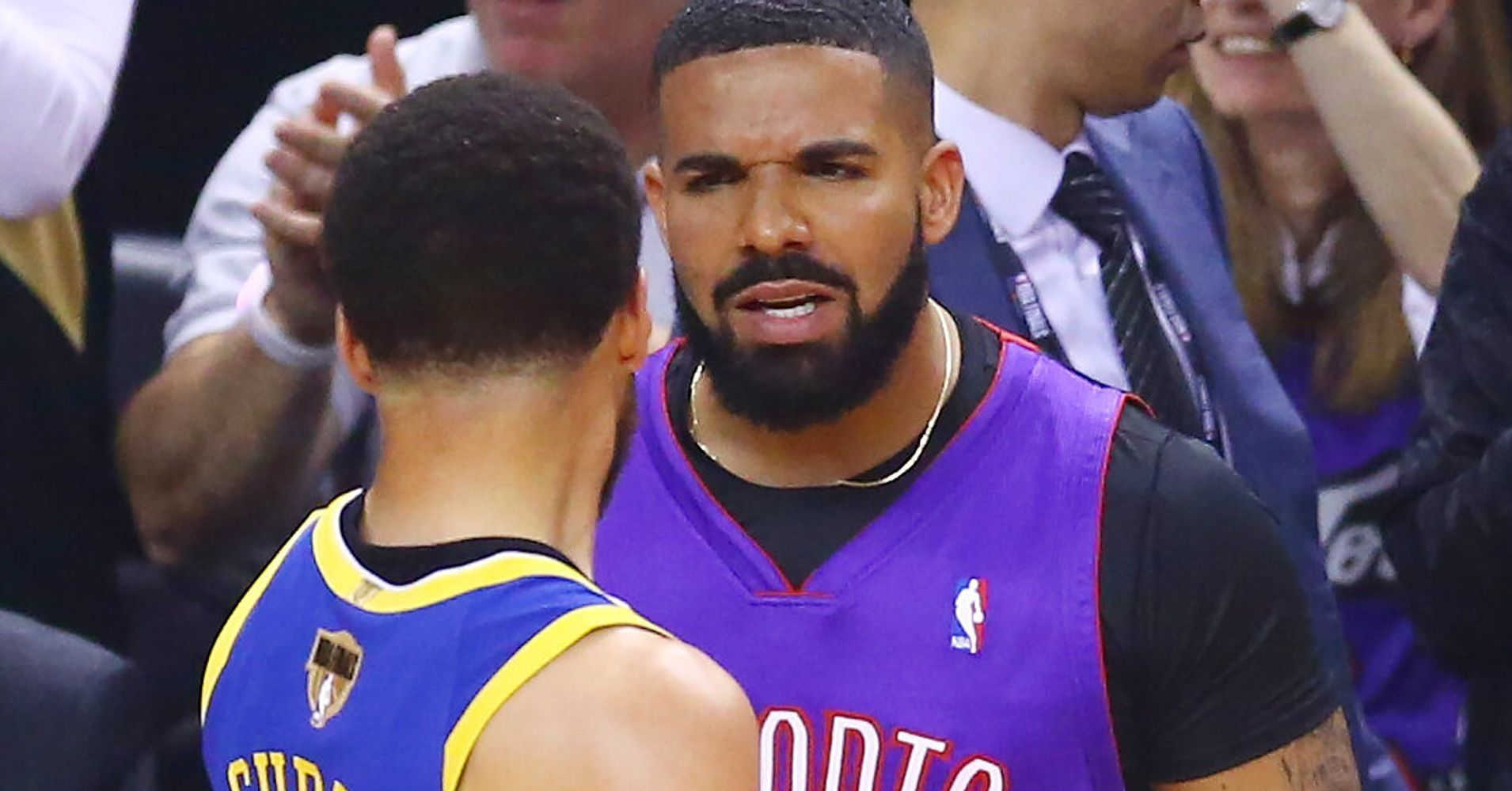 f3cbb777bc5 People Had A Lot To Say About How Drake Trolled Steph Curry At The NBA  Finals | HuffPost