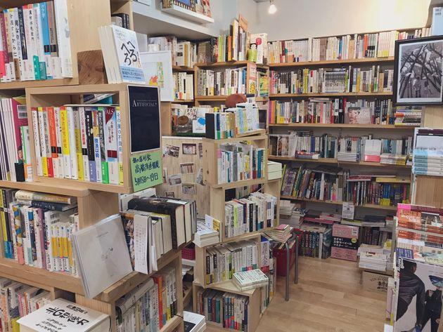 """本を""""死""""へ追いやる""""断裁工場""""が舞台の仏小説。たまたま入った書店で出会った本が、世界を広げてくれた"""