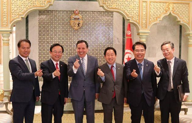 우리 국회 대표단은 한-튀니지 의원친선협회 협회장인 주광덕 의원, 이주영 국회부의장,백재현 의원, 이용주 의원으로 구성되어