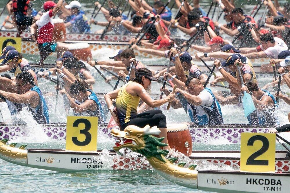 緊張刺激的龍舟賽(圖/香港旅遊發展局)