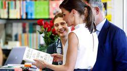 Letizia va a la Feria del Libro y todos se fijan en el mismo detalle de sus