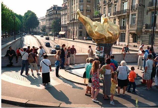 Το Παρίσι χαρίζει το όνομα της Νταϊάνα στην πλατεία της Μαρία
