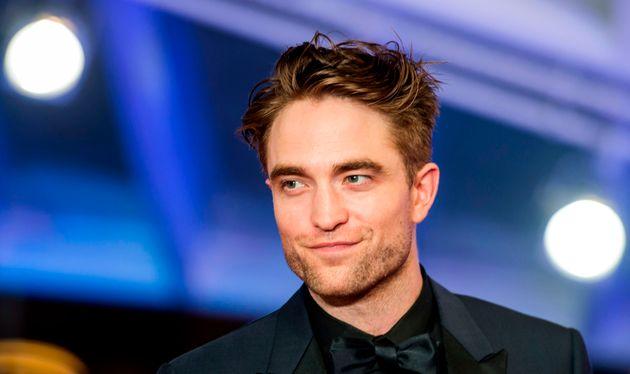 Robert Pattinson succède ainsi à une longue liste de stars à avoir déjà...
