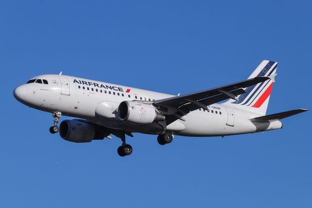 Air France alerte sur la présence de listeria dans des sandwichs au thon sur ses