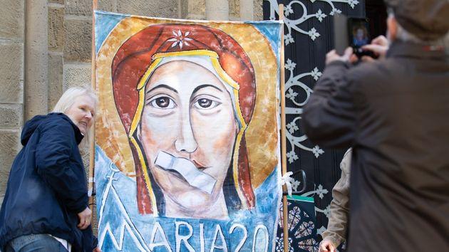 Maria 2.0: Οι γυναίκες που ταρακουνούν την Καθολική
