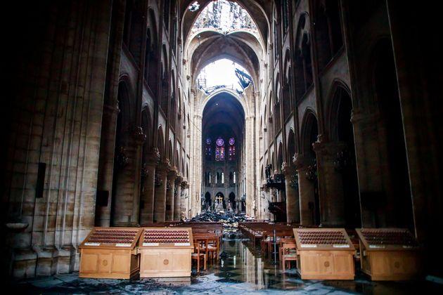 L'intérieur de la cathédrale Notre-Dame après