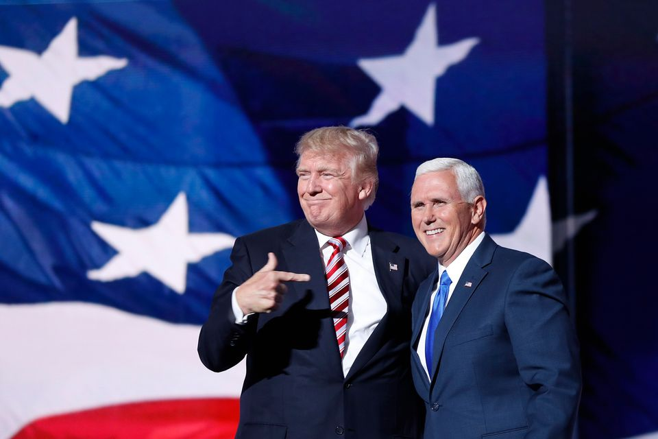 Trump com o vice-presidente Mike Pence na convenção do Partido Republicano, em