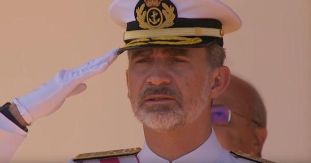 El rey Felipe VI durante el desfile de las Fuerzas Armadas en