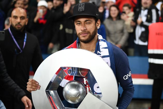 Neymar accusé de viol à Paris, il assure être tombé dans