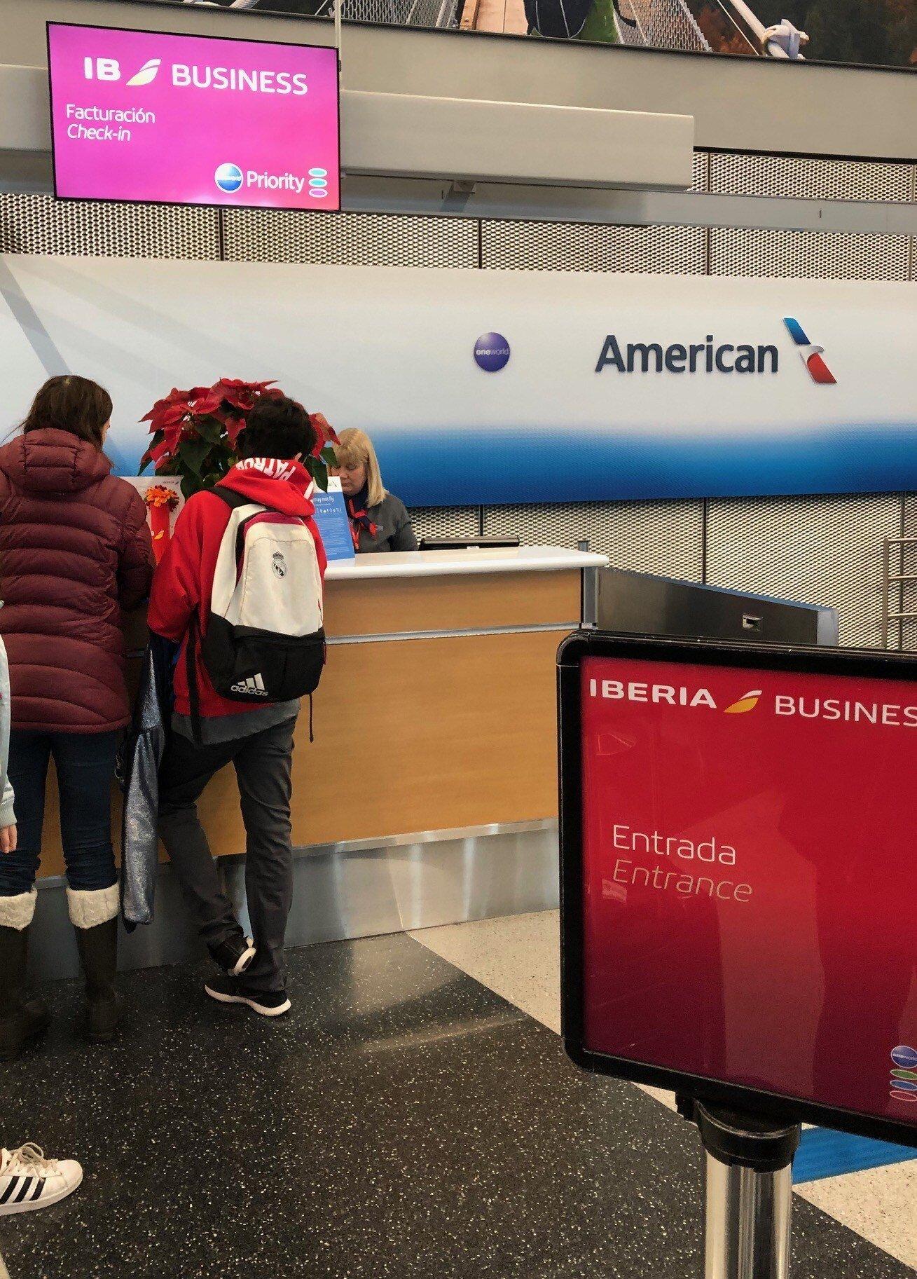 伊比利航空 Check-In 櫃檯,就是美國航空的一角