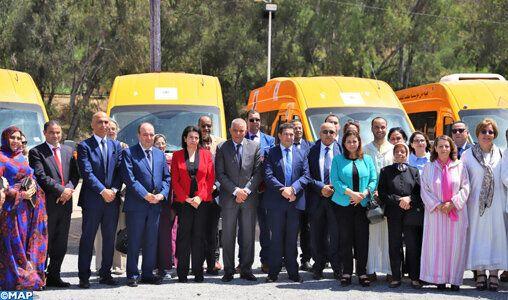 L'Union nationale des femmes du Maroc offre des bus pour lutter contre l'abandon