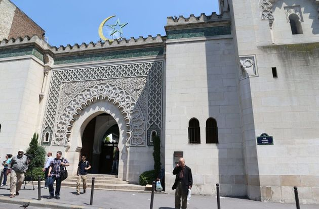 La date a été fixée par le CFCM, en accord avec les principaux pays arabo-musulmans,...