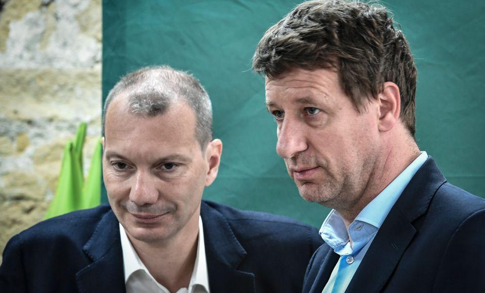 Le secrétaire national d'EELV, David Cormand, au côté de la tête de liste aux...