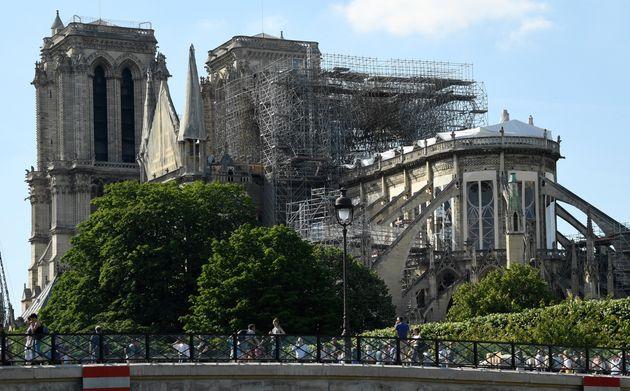 Notre-Dame de Paris, mai