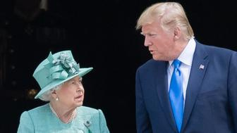 LONDON, ENGLAND - JUNE 03: Queen Elizabeth II officially welcomes US President Donald Trump as they attend a Ceremonial Welcome at Buckingham Palace on June 03, 2019 in London, England. (Photo by Samir Hussein/Samir Hussein/WireImage)