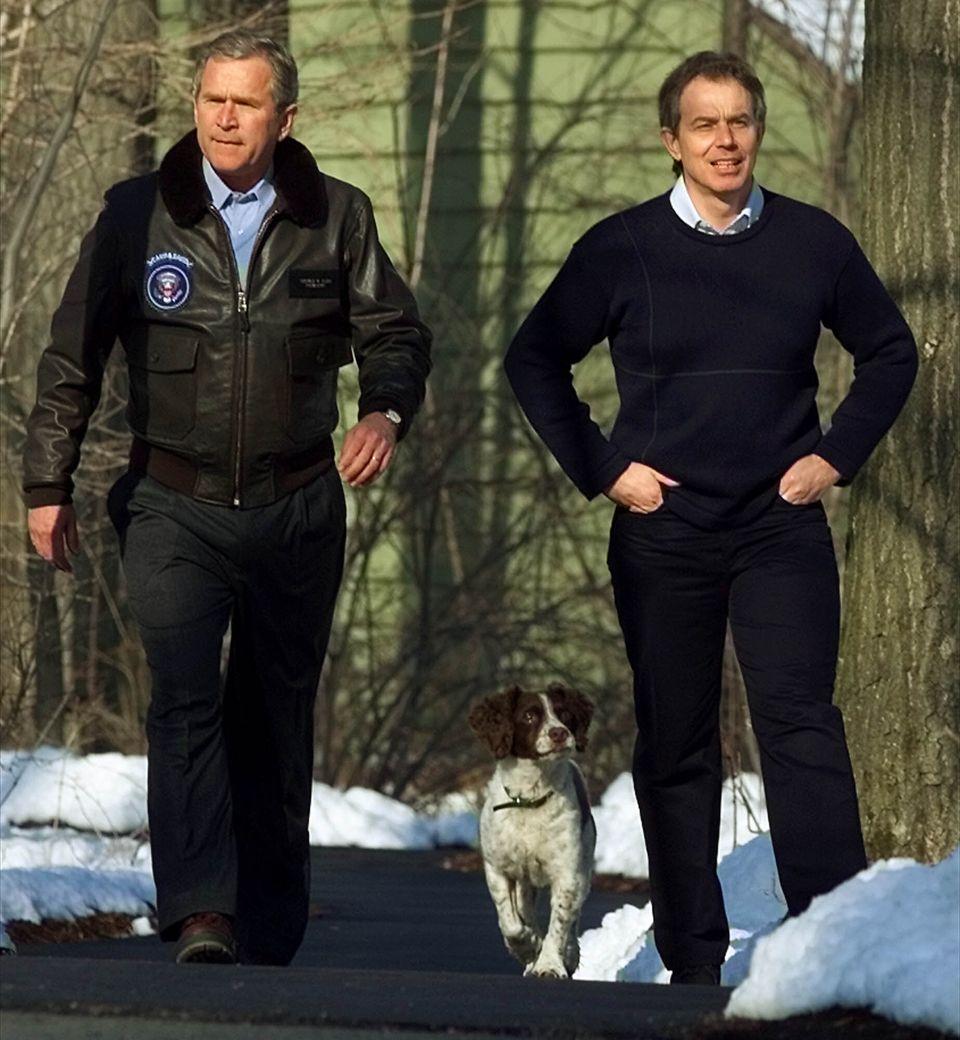 George W Bush and Tony Blair at Camp David in