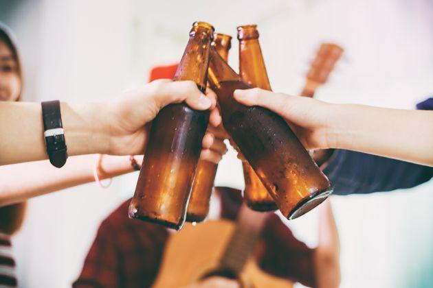 La OCU ha elegido la mejor cerveza sin alcohol... y el resultado dividirá a los