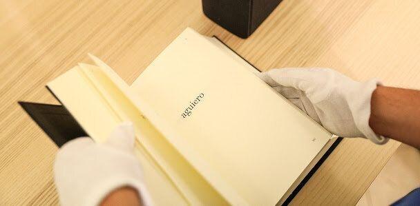 'Aguiero' (rollo de madera de castaño destinado a la construcción) forma parte del 'Diccionario...