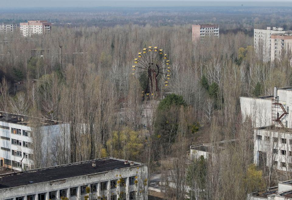 Vista da cidade abandonada de Pripyat perto do central elétrica de