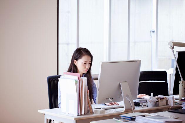 残業時間は最近、減った?それとも増えた?