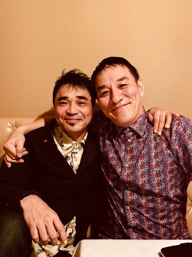 ピエール瀧被告(右)と石野卓球さん