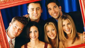 FRIENDS -- Pictured: (front l-r) Matthew Perry as Chandler Bing, Courteney Cox as Monica Geller, Lisa Kudrow as Phoebe Buffay, Jennifer Aniston as Rachel Green (back l-r) Matt LeBlanc as Joey Tribbiani, David Schwimmer as Ross Geller  (Photo by Jon Ragel/NBC/NBCU Photo Bank via Getty Images)