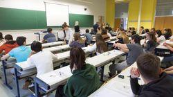 Miles de alumnos de Valencia protestan por la dificultad del examen de Matemáticas de