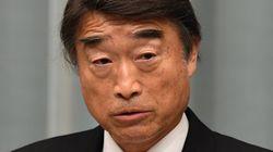 Au Japon, le ministre du Travail défend les talons hauts en