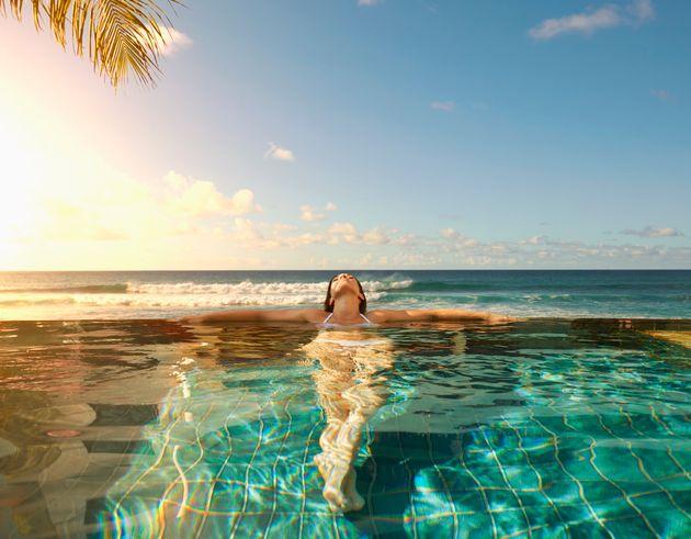 Ξεχάστε τα πάρτι και την ξέφρενη ζωή – Έτσι κάνουν πλέον διακοπές οι