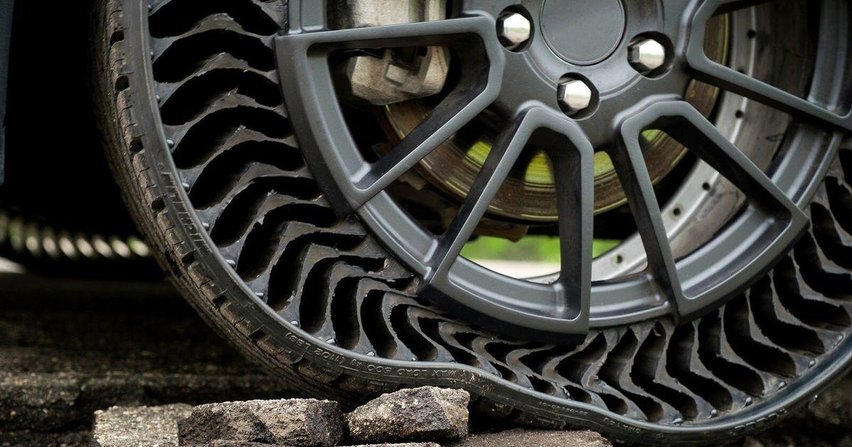 Michelin réinvente la roue avec ce pneu sans air anti-crevaison