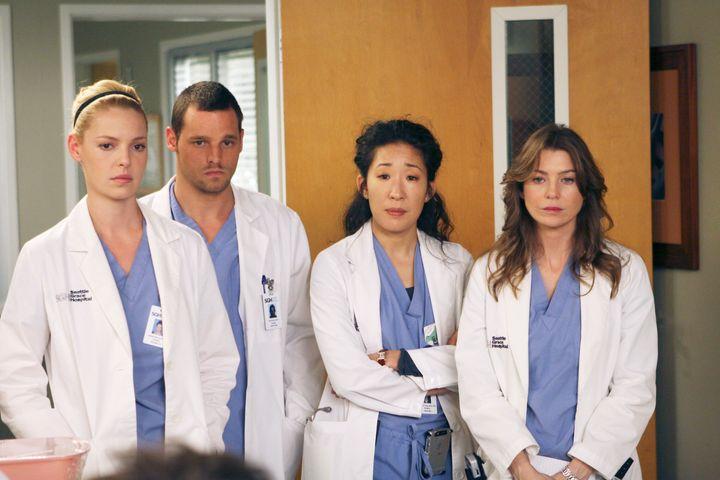 "Katherine Heigl,Justin Chambers, Sandra Oh and Ellen Pompeo in ""Grey's Anatomy."""