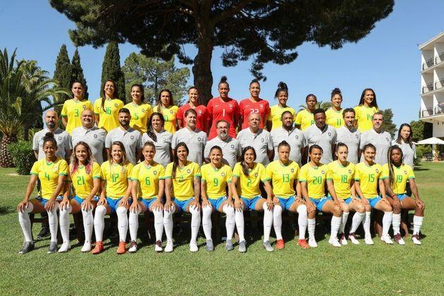 Confederação Brasileira de Futebol (CBF) compartilhou imagens oficiais da seleção...